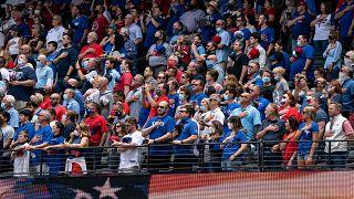 Im Stadion der Texas Rangers am 5. April 2021 zum Auftakt der Baseball-Saison