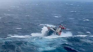 Rescate de un carguero en Noruega