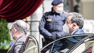عباس عراقچی در حال ورود به هتل گراند وین برای برگزاری نشست کمیسیون مشترک برجام
