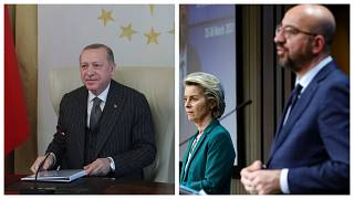 Recep Tayyip Erdogan a baloldali fotón, Ursula von der Leyen és Charles Michel a jobboldalin