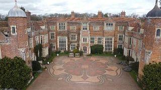 المنازل التاريخية في بريطانيا تكافح للبقاء مع استمرار قيود كورونا