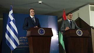 Yunanistan Başbakanı Kiryakos Miçotakis, Libya Ulusal Birlik Hükümeti Başbakanı Abdulhamid Dibeybe (sağda) ile görüştü