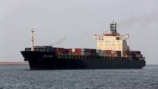 سفينة شحن في ميناء شهيد بهشتي في مدينة تشابهار الساحلية جنوب شرق إيران.