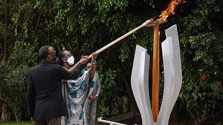 Rwanda : Paul  Kagamé allume la flamme au mémorial du génocide