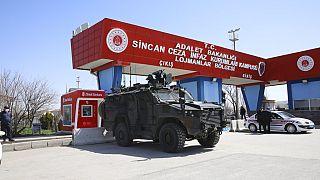 Cascada de cadenas perpetuas en Turquía