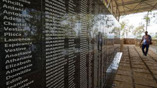 نام هزاران قربانی توتسی که در جریان نسلکشی به یک کلیسای کاتولیک در شهر نتاراما پناه برده بودند/ آرشیو ایپی