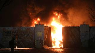 Politiker in Nordirland verurteilen nächtliche Krawalle und Gewalt