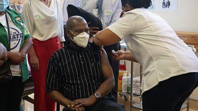 L'Afrique appelée à poursuivre la vaccination contre le coronavirus