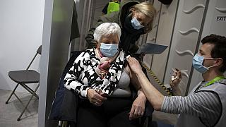 Vacinação na UE atrasada e com muitas assimetrias