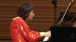 Une pianiste japonaise de 100 ans donne encore un concert