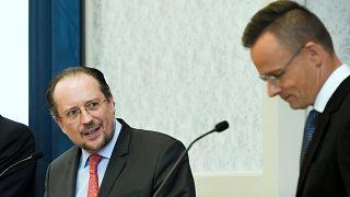 Alexander Schallenberg osztrák és Szijjártó Péter magyar külügyminiszter 2020. július 14-��n egy budapesti sajtótjákoztatón