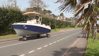 القارب - السيارة في فرنسا
