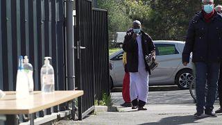 إعاد افتتاح مسجد ظل مغلقا بعد حادث المعلم الذي قطع رأسه في فرنسا