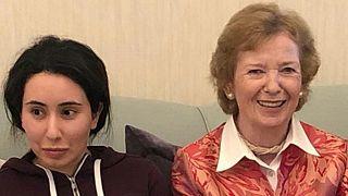 صورة أرشيفية يعود تاريخها لـ 15 ديسمبر 2018 تجمع الشيخة لطيفة آل مكتوم بماري روبنسون المفوضة السامية السابقة للأمم المتحدة لحقوق الإنسان والرئيسة السابقة لإيرلندا في دبي.