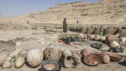 Une ville égyptienne enfouie sous le sable depuis des millénaires dévoilée à la presse