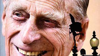 Quarantuno cannonate tuonano simultanee e danno l'addio al Principe Filippo