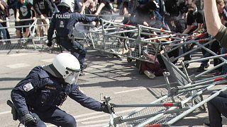 Разгон акции протеста в Вене 10 апреля 2021