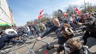 Auseinandersetzungen zwischen Demonstranten und der Polizei in Wien