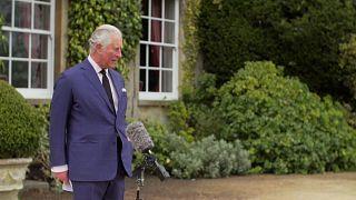 Sentido homenaje del príncipe Carlos a su padre Felipe, el duque de Edimburgo