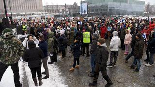 احتجاجات على قوانين الحكومة الفنلندية لمواجهة فيروي كورونا  في هلسنكي -  فنلندا