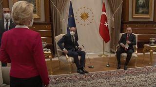 Avrupa Komisyonu Başkanı Ursula von der Leyen, Ankara'da kısa süreli protokol krizi yaşamıştı (ekran görüntüsü)