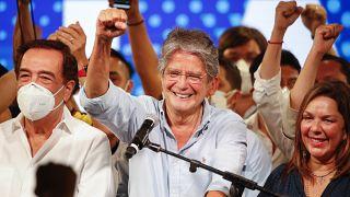 Desde su ciudad, Guayaquil, Guillermo Lasso de 65 años agradeció a sus votantes y nombró uno a uno a todos los integrantes de su equipo de campaña.