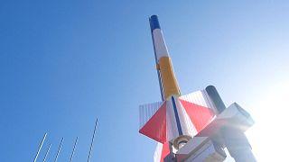 Ракеты в небе в честь Гагарина