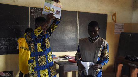Bénin : dépouillement en cours et participation en baisse