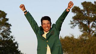 Le golfeur japonais Hideki Matsuyama tout à sa joie après sa victoire au Masters d'Augusta, le 11 avril 2021