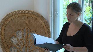 ميتسو سوبرانو فيونا ماكغون تحيي حفلات الأوبرا من منزلها