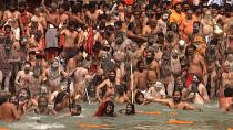 Pilgrims bathe in the Ganges despite India Covid surge
