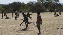 "Zimbabwe : des ""money games"" de football contre de l'argent"