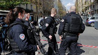 """Fusillade mortelle à Paris : """"règlement de comptes"""" devant un hôpital"""