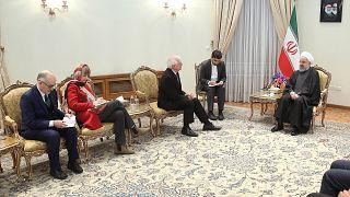 الرئيس حسن روحاني خلال اجتماع مع وفد من الاتحاد الأوروبي، برئاسة نائب رئيس المفوضية الأوروبية جوزيب بوريل، الممثل الأعلى للاتحاد الأوروبي للشؤون الخارجية في طهران.