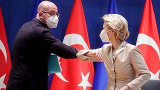 رئيس المجلس الأوروبي شارل ميشال ورئيس المفوضية الأوروبية أورسولا فون دير لايين