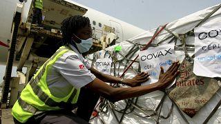 Поставка вакцин в Абиджан через механизм COVAX