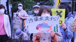 Colère après l'annonce du rejet en mer de l'eau stockée à Fukushima