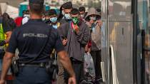 Spanish hotel shelters migrants amid virus crisis