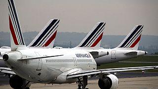 França recebe últimos viajantes do Brasil com receio da variante P1