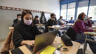 إيطاليا أغلقت المدارس لمدة 30 أسبوعا خلال عام بسبب فيروس كوفيد-19