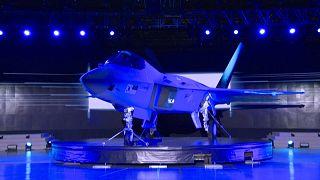 إطلاق النموذج الأولي للطائرة المقاتلة الكورية الجنوبية KF-X