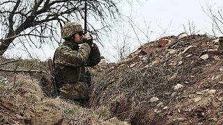 سرباز اوکراینی در مرز اوکراین و روسیه
