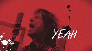 """Imagem do videoclip de """"Easy Sleazy"""""""