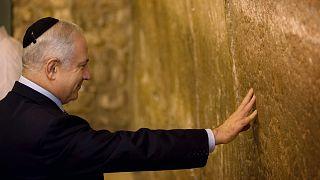 A jeruzsálemi Siratófalnál, 2009-ben