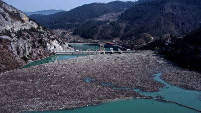 Environmental activists in Bosnia are warning that tons of garbage floating down the Balkan country's rivers are endangering the local ecosystem and people's health.