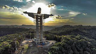 Encantado, en Brasil, ultima la construcción de un Cristo más alto que el del Corcovado