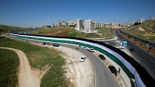 """الأردن يسعى لدخول """"غينيس"""" بـ""""أطول علم في العالم"""" احتفالا بمئوية تأسيسه"""