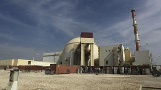 مبنى المفاعل في محطة بوشهر للطاقة النووية خارج مدينة بوشهر الجنوبية، إيران.