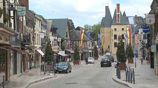 ویدئو؛ شهر باستانی اسکاتلندیها در فرانسه یاد شاهزاده فیلیپ را گرامی داشت
