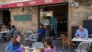 استفاده از ماسک در فضای عمومی در اسرائیل دیگر اجباری نیست